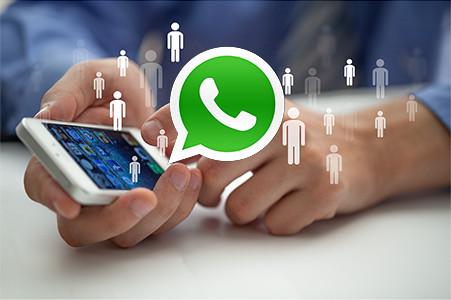 Resultado de imagen de whatsapp using